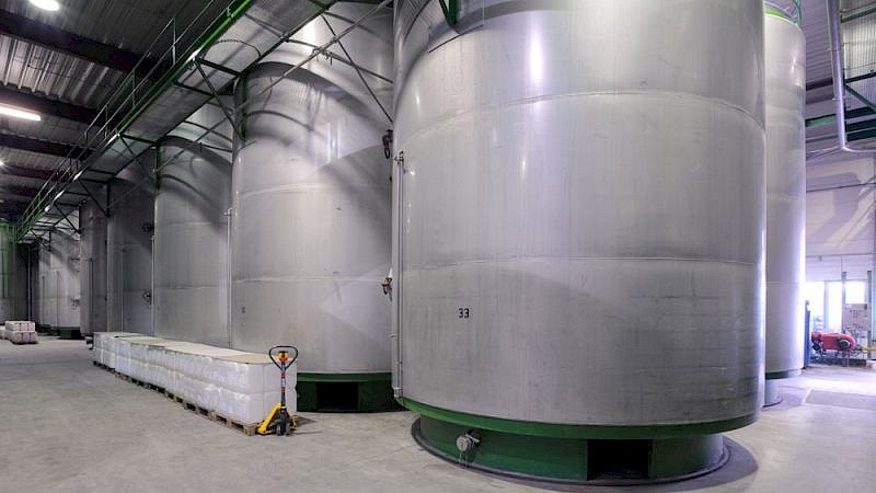The bread drink matures in enormous fermentation tanks