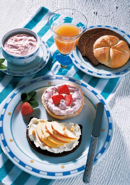Fitnessgrühstück mit Pumpernickel mit Apfelquark